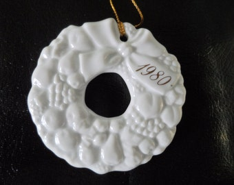 Vintage Ceramic Christmas Ornament - 1980 Avon Wreath Ornament
