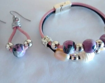 Set bracelet and earrings