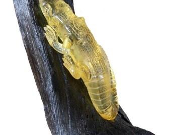 Salamander handmade from wood and amber