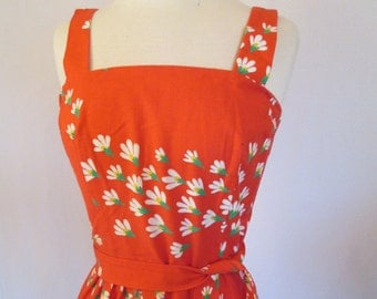 1970s red floral print cotton day dress sun dress with matching self belt S/M