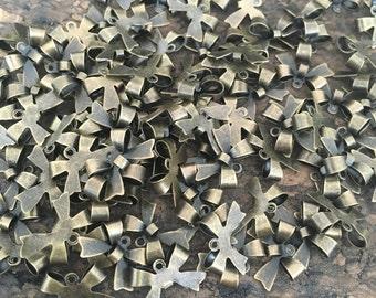 10 Petits nœuds en métal