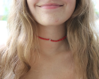 beaded choker with accent piece