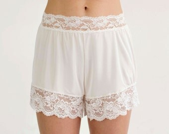 Vanilla Bloomers, Vintage Inspired, Body Positive, Cream Bloomers, Vanilla Lingerie Bottoms, Body Positive, Lace Knickers, Silk Bloomers