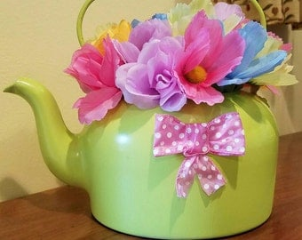 Vintage Teapot (Brightness)