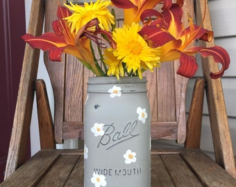 Dark Gray with white flowers, quart mason jar, mason jar vase, flowered vase, country chic decor, rustic decor, flowers