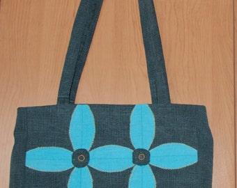 Shoulder bag with patchwork flowers