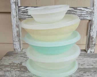 Vintage Tupperware Bowl Set