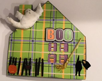 Boo Haunted House Chipboard book