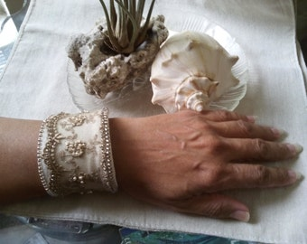 Brand New Lace Ivory Canvas Cuff Bracelet With Ivory Czech Glass Pearls
