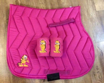 pink Garfield saddle cloth and pair of bandages