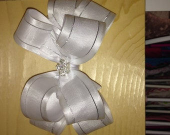 Boutique double stacked bow white and silver
