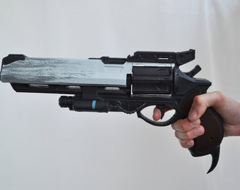 Hawkmoon gun from Destiny with moving parts Full size, assembled. Cosplay / replica / props.