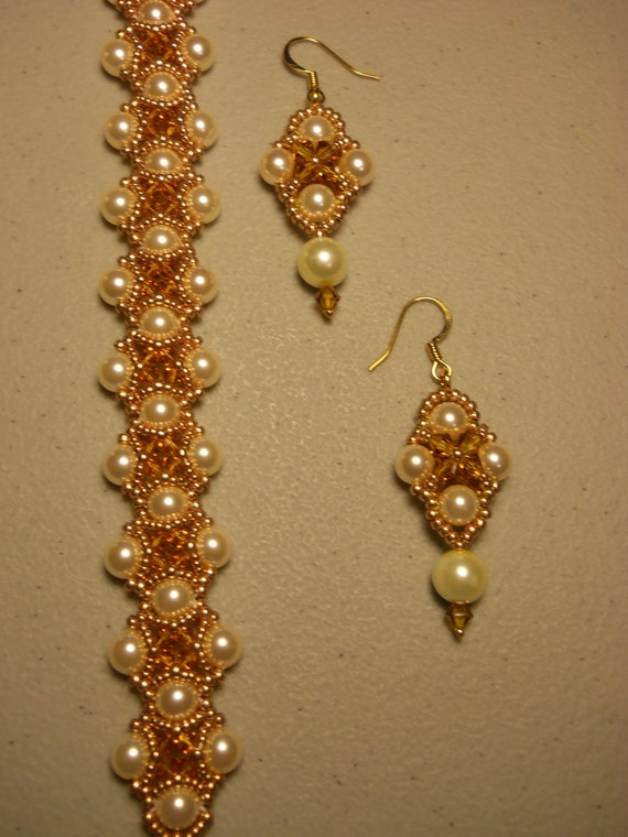 Swarovski Topaz Crystal and Pearl Bracelet w/ Matching Earrings w/ Gold Plated Clasp