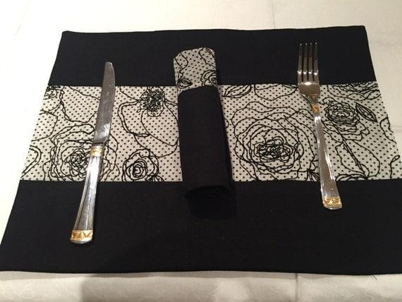 black and white floral patterned placemats set of two linen. Black Bedroom Furniture Sets. Home Design Ideas