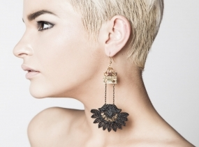 Lace earrings - Wanderlust - Black lace with golden hinge