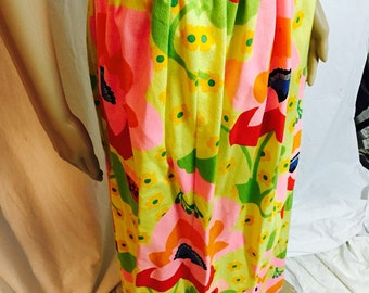 """Fun 60's Bright Flower Maxi  Skirt. 28"""" Waist."""
