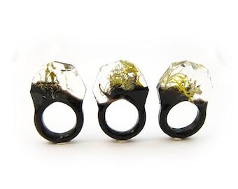 Lichen Moss Terrarium Resin Ring • Size 7 • Eco Resin Ring • Unusual Ring • Faceted Resin Terrarium Ring • Nature Resin Ring • 3G