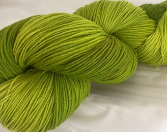 GREEN TEA -superwash sock yarn