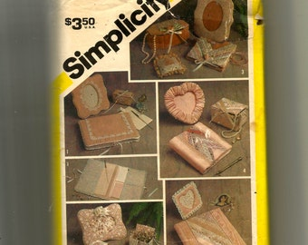Simplicity Desk and Dresser Accessories -One Size Pattern 5296