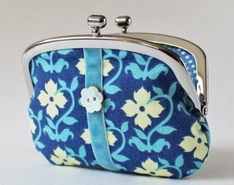 Coin purse white flowers on blue velvet flower shell button kiss lock coin purse change purse clasp purse floral light blue