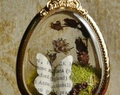 Bookworm Butterfly Terrarium Pendant - XL Gold Oval