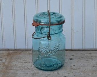 Blue Pint Ball Wire Bail Canning Jar - Royal Hill Vintage