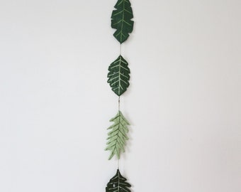 tropical leaves strand mobile