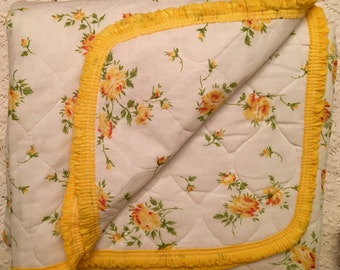 Yellow Rose Quilt - Twin Full - New Unused- Yellow Rose Bedcover
