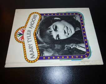 1977 Mary Tyler Moore book by David Paige