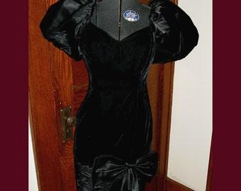 Vintage Black Velvet Party Dress Satin Bow Big Puff Sleeves Small