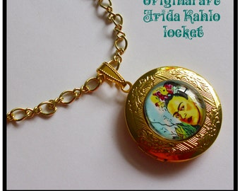 Frida Kahlo locket, altered art lockets... gift box included, Ready To Ship, Frida Kahlo jewelry,personalized jewelry