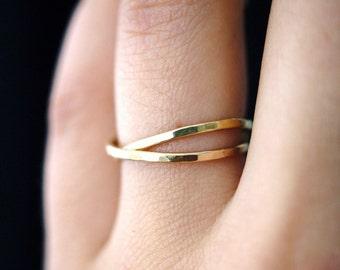Gold Interlocking rings, Set of 2 Gold interlocking rings, russian ring, rolling rings, gold infinity ring, wedding ring, hammered gold ring