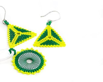 Earrings and Necklace Set // Beaded // Green and Yellow // Seed Beads // Beadwork // Jewelry Set