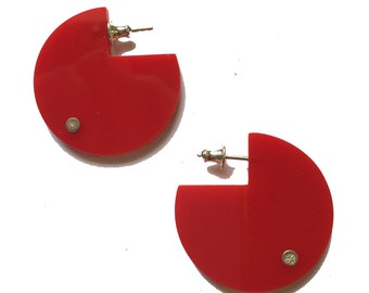 Disc earrings in various colors