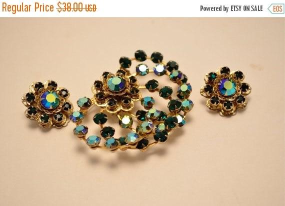 Fall sale Emerald green jewelry  demi parure  green rhinestone set Earring and brooch A B crystals