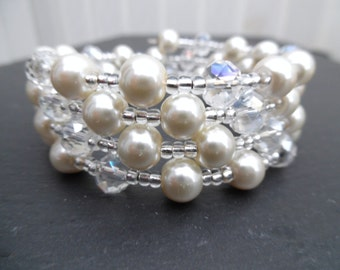 Pearl and Crystal Beaded Memory Wire Bracelet, Bridal Jewelry, Ivory Wedding, Wrap Bracelet, Cuff Bracelet, Chunky Bracelet, Bridesmaid