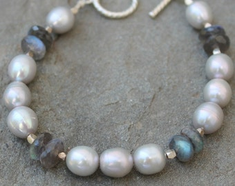 Gray Pearl & Labradorite Bracelet, Sterling Silver Toggle Clasp, Artisan Jewelry
