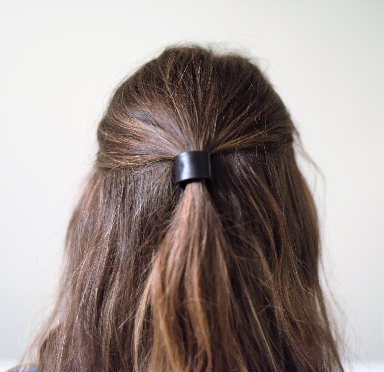Popular ponytail hair cuff of Good Quality and at Affordable Prices You can Buy on AliExpress. We believe in helping you find the product that is right for you.