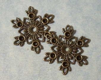 2 Ox Brass Snowflake Filigree Stampings with 2.5mm Rhinestone Settings, Necklace Pendant, Necklace Components