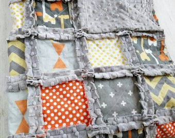 Giraffe Minky Rag Quilt - Giraffe Crib Bedding - Giraffe Nursery Bedding - Yellow Orange Gray Quilt - Giraffe Baby Boy Bedding