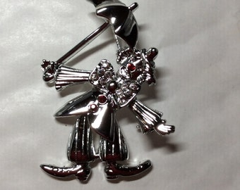 Clown with umbrella Articulated Circus Big Top vintage silver tone brooch / pin
