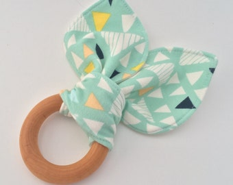 Natural Wooden Teething Ring in Mojave