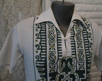 Vintage 60s Hawaiian Shirt Mens Green print Tiki shirt Cigarette pocket Polyester knit shirt 60s tourist costume M