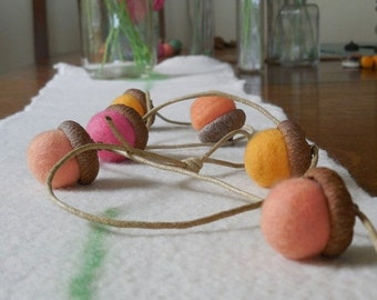end of summer SALE Felted Acorn Garland - 12 felted acorns - A mix of golden, pink, peach and coral felted acorns.