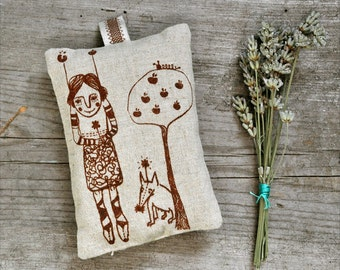 linen sachet homegrown organic lavender - hanging pillow - The apple girl