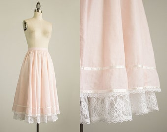 70s Vintage Gunne Sax Pink Lace Ruffle Skirt / Size Extra Small / Small