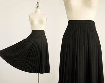 80s Vintage Black Knife Pleated Wool Skirt / Size Small