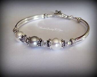 NINE Bridesmaid Bracelets : pearl wedding jewelry, bridesmaid bracelet, bridal jewelry, bridesmaids jewelry, custom bridal jewelry, bride