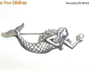 JJ Mermaid pin Jonette brooch nos pewter small faux pearl