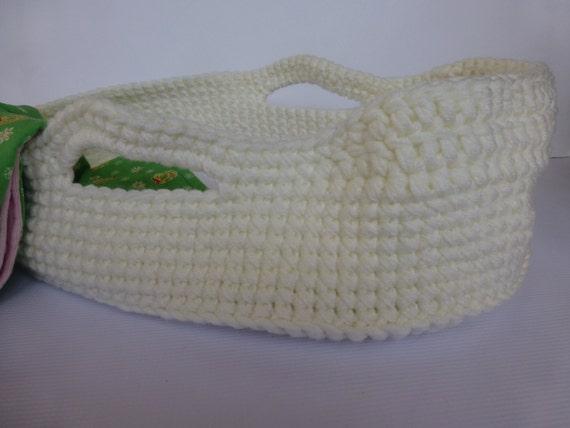 Knitting Pattern Moses Basket Blanket : Crocheted Doll Moses Basket and Blanket Cream / Christmas